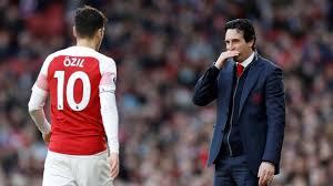 Kemungkinan Tetap Bertahan di Arsenal, Ozil dan Emiry Melakukan Pertemuan Empat Mata
